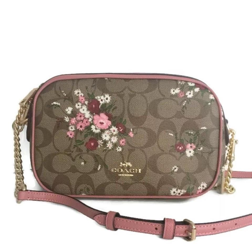 205007de3 Coach Pink Isla Crossbody Sling bag for teen ladies women Stock on ...
