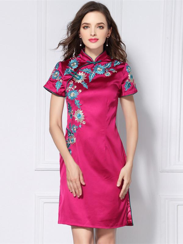 5262b928c5f Retro European Floral Embroidered Slim Cheongsam Dress (M   L   XL ...