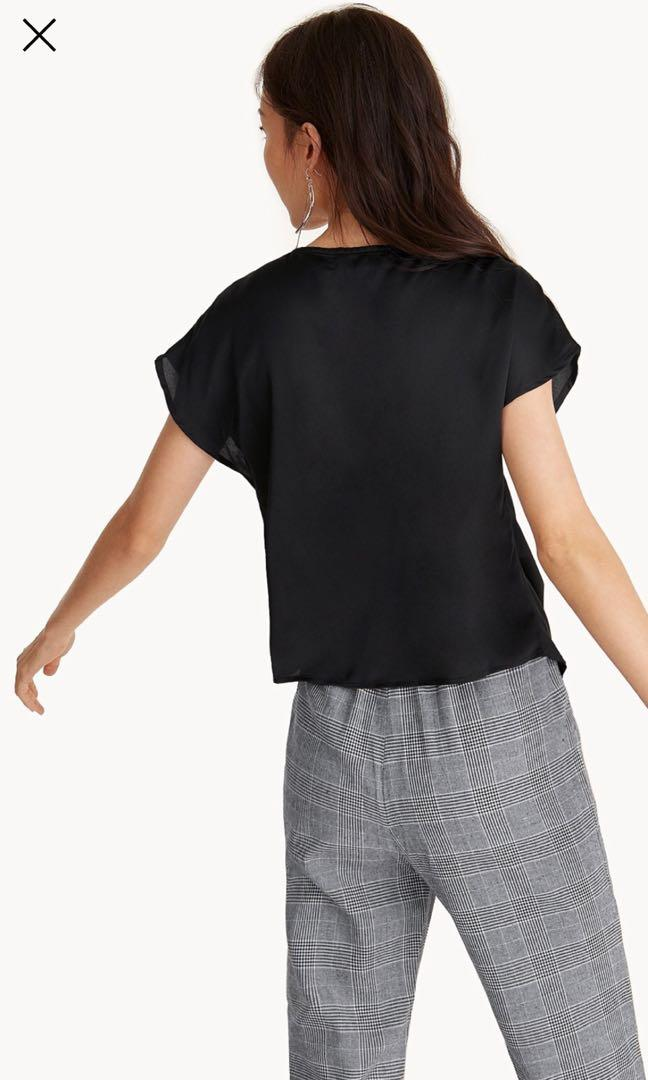 Ruched V neck top XS