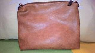 Pouch brown
