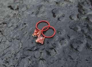 紅色圈圈耳環