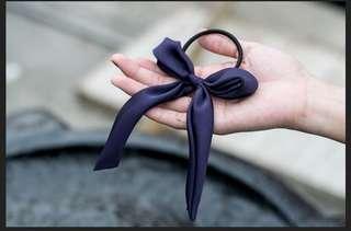 藍色緞面蝴蝶結髮圈