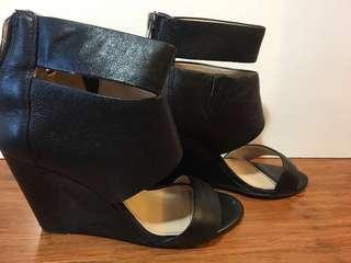 Banana Republic - women's shoes