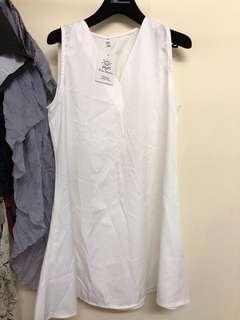 白色背心裙