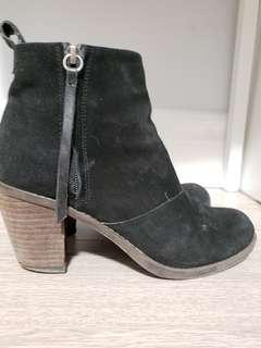 Dolce vita booties black size 6.5