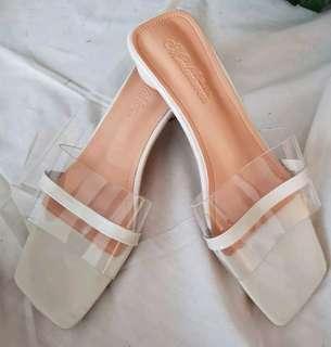 Summer sandals sz 37