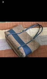 Authentic Coach Bag ( medium)