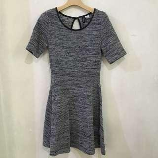 Brand New Original Divided by H&M PERFECT skater dress (small-semi med)