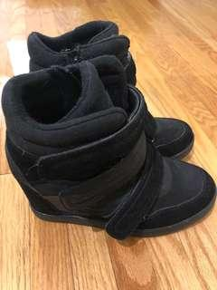 Aldo Hidden Wedge Sneakers Size 9