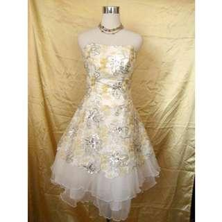 婚後物資 結婚用品 西式婚禮 新娘 pre wedding 平胸tube 短婚紗