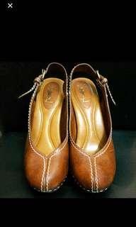 YSL high heels 90% new