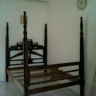 Ranjang jati antik (Pamulang, Tangerang)