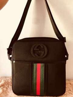 Gucci sling medium