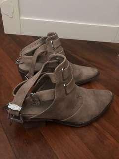Spurr tan boots