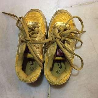 Kids Shoes size 28