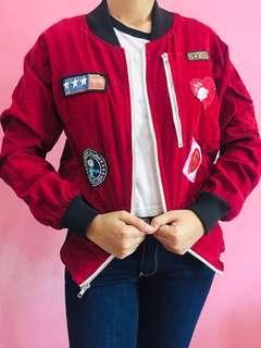 Jaket boomber merah maroon