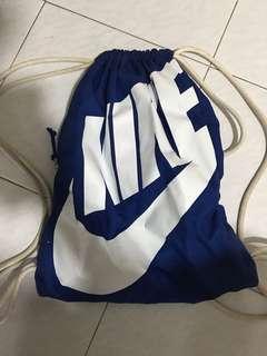 Nike 索繩袋