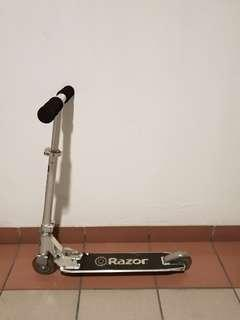 Razor 2 wheel scooter (foldable)