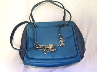 Auth! Coach hand bag