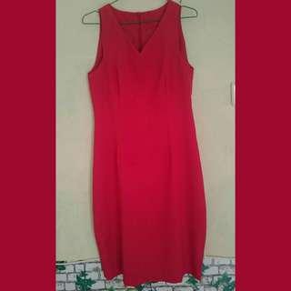 Dress midi merah darah