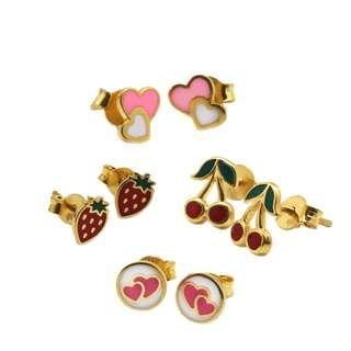 916 Gold Cutesy Ear Studs