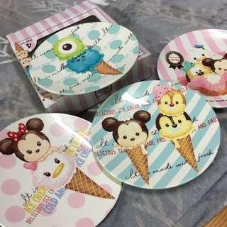 🚚 香港迪士尼tsum tsum四入塑膠點心盤組