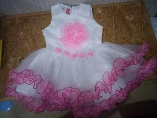 Dress gaun pesta anak