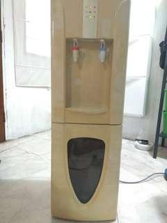 Dispenser Air Panas & Sejuk..Hot & Cold Water Dispenser