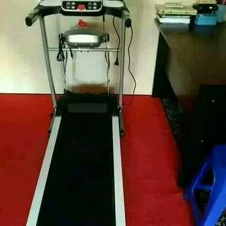Best seller treadmill venice M8 putih