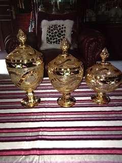 Satu set toples Tinggi 34 , 30 , 26 cm gold