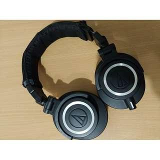 Audio Technica ATH-M50x free extra ear pads