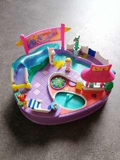 Polly Pocket Magical Swimabout Pool doll