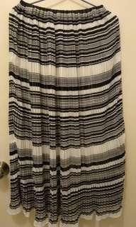全新黑白橫間百褶雪紡長裙 包順豐