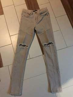 Turun harga!!! Ripped Jeans Bershka