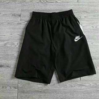 🚚 Nike日本限定款刺繡標短褲 M L XL xxl