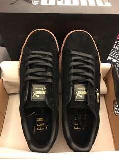 🚚 零碼出清US7.5 PUMA熱門鞋款Puma x Rihanna Suede Creeper蕾哈娜聯名鞋款 增高厚底鞋麂皮絨明星穿搭百搭全黑