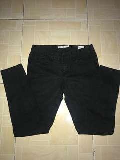 Black low-rise jeans