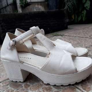 - flatform shoes -