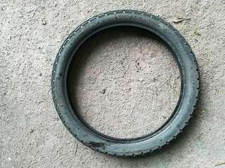 70/90/17 tyre