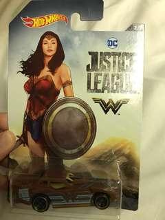 Hot Wheels DC Justice League Wonder Woman