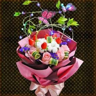 [FREE DELIVERY] 4 Cotton Flowers & 8 Peach Roses with Fake Strawberries & LED Lights Hand-bouquet (006-PE)