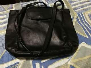 黑色真皮手提袋實用袋意大 leather bag italy