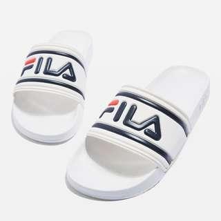 f94c55dcb127 (Sold Out) Fila Morrowbay White Slides