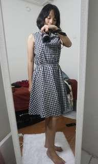 Dress kota kotak
