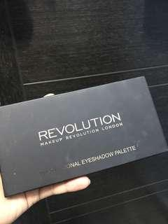 Makeup revolution eyeshdiw