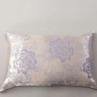 🚚 2 pieces set silk pillow case