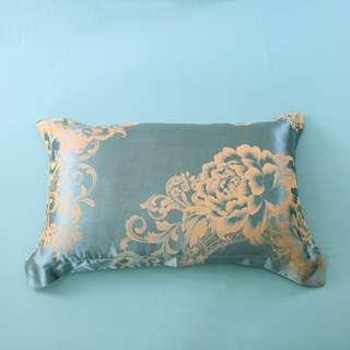 🚚 2 pieces set - silk pillow case