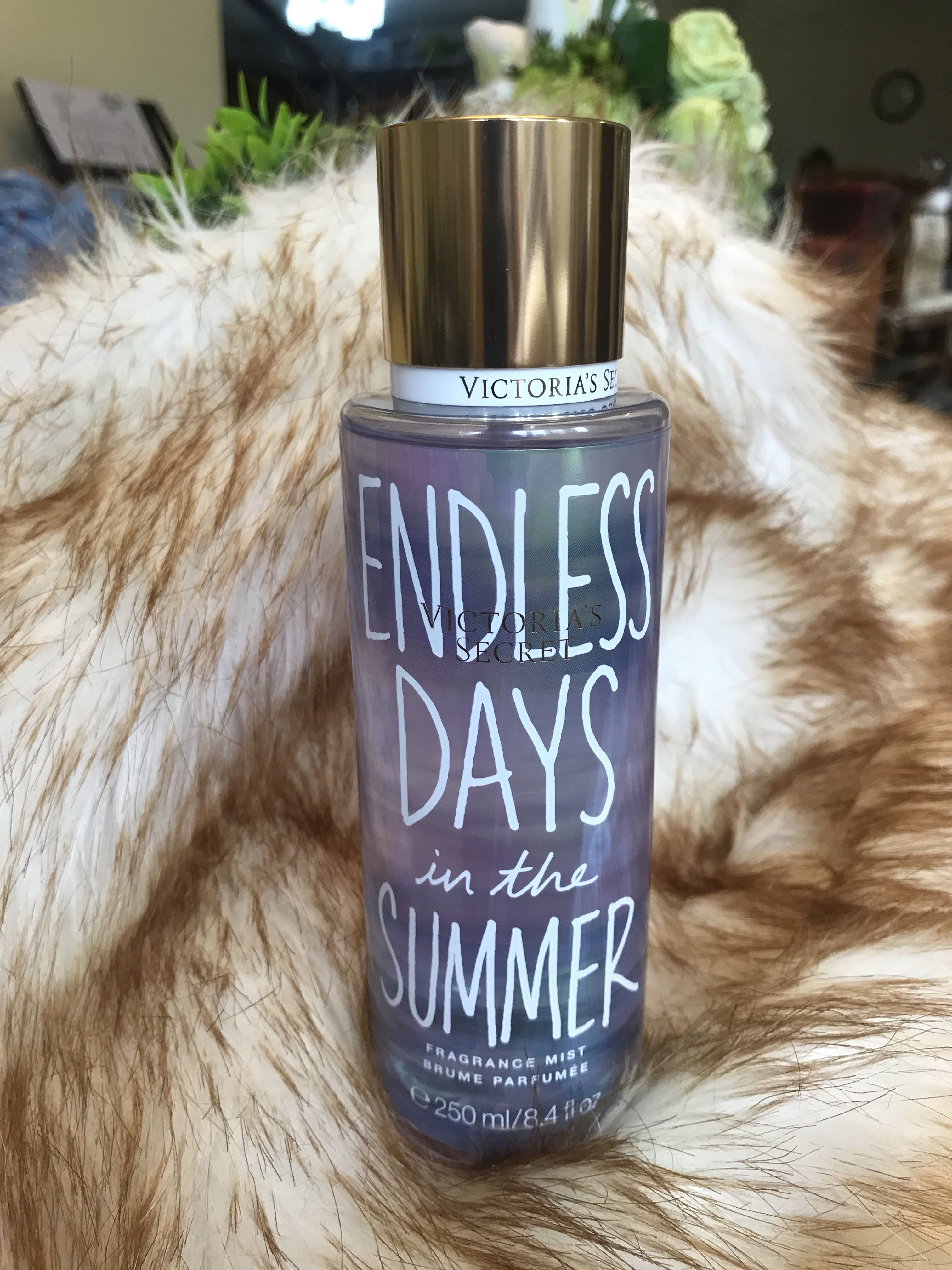 36c456f3 Authentic Victoria Secret Body Mist Endless Days in the Summer 250 ...