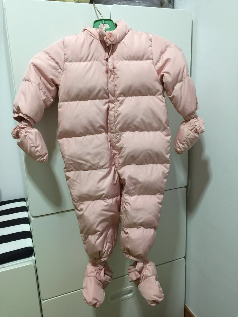 8be033b4e GAP baby girl snowsuit winter wear (18-24 months)