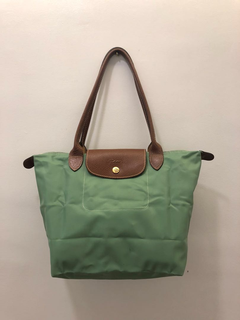be794b35e04f3 Longchamp Le Pliage Medium Shoulder Tote Bag in Green